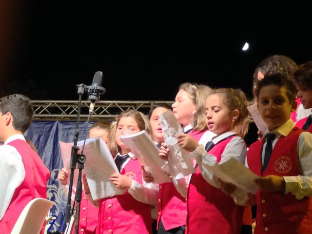 childrens-singing