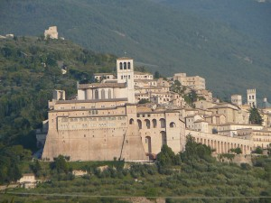 assisi-from-the-north-afternoon-light-by-lyn-b